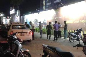 Tài xế taxi thoát chết sau khi bị hành khách cứa cổ cướp tài sản