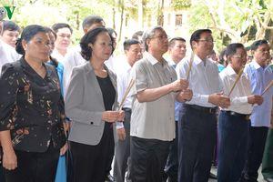 Lãnh đạo Đảng, Nhà nước dâng hương tại Đền thờ Bác Hồ ở Sơn La