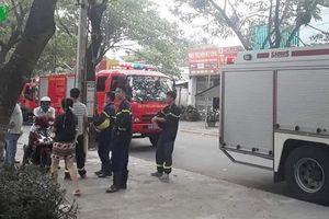 Thanh niên ngáo đá mang bom xăng vào chung cư để đốt