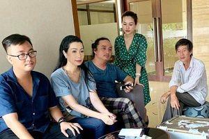 Gia đình cố nghệ sĩ Lê Bình làm từ thiện gần 300 triệu đồng từ tiền phúng điếu