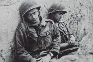 Sự khốn quẫn của quân Pháp trong ngày cuối cùng ở Điện Biên Phủ