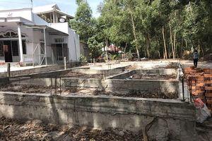 Chuyển hồ sơ vụ xây nhà trên đất hàng xóm sang công an