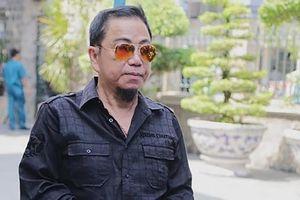 Danh hài Hồng Tơ cùng đồng phạm bị bắt trong quán cà phê
