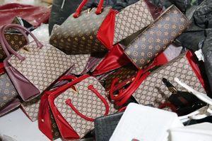 Làng sản xuất túi Hermès, Gucci giả ở Hà Nội