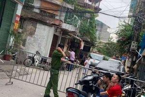 Hà Nội: Nghi án con trai tâm thần dùng dao sát hại bố đẻ
