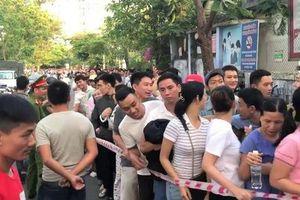 Ngành y tế tỉnh Thừa Thiên – Huế lên tiếng việc để người dân phải 'rồng rắn' đăng ký tiêm vắc – xin dịch vụ