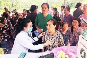 Người nghèo vùng biên giới được khám chữa bệnh miễn phí trong tháng nhân đạo