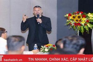 Ryan Giggs chia sẻ về phát triển bóng đá tại Hà Tĩnh