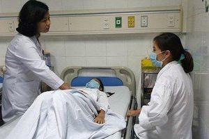 Bé gái 12 tuổi bị u buồng trứng khổng lồ