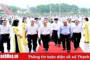 Thủ tướng Chính phủ Nguyễn Xuân Phúc tham quan Triển lãm 'Thanh Hóa xưa và nay'