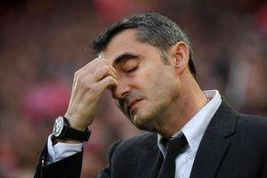 Thua thảm Liverpool, HLV Barcelona cầu xin CĐV tha thứ