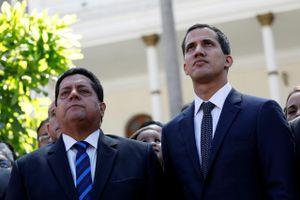 Tình báo Venezuela bắt ôtô giam cấp phó của ông Guaido bên trong