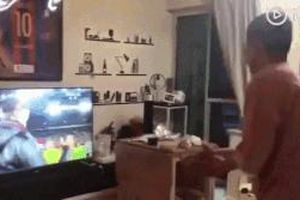 Fan Barca đập TV sau trận thua Liverpool