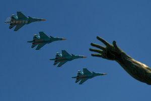 Nga duyệt binh hoành tráng nhưng thiếu bóng không quân