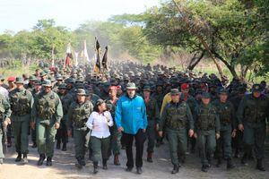 Tổng thống Venezuela cảnh báo nguy cơ căng thẳng quân sự với Colombia