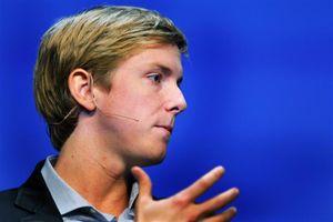 Đồng sáng lập Facebook kêu gọi chính phủ chia nhỏ hãng mạng xã hội