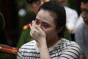 Ngọc 'Miu' và nhiều bị cáo khóc khi nghe mức án đề nghị