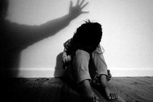 Nghi án nguyên cán bộ xã giở trò đồi bại với bé gái 8 tuổi