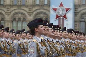 Ngẩn người trước vẻ đẹp 'bông hồng thép' Quân đội Nga tại Lễ duyệt binh Chiến thắng