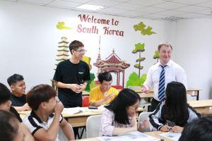 Săn học bổng ngành Ngôn ngữ Anh ở đâu?