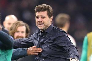 HLV Mauricio Pochettino rơi lệ sau khi Tottenham lập kỳ tích