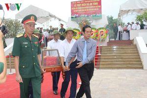 Quảng Bình tổ chức truy điệu, an táng 17 liệt sĩ hy sinh tại Lào