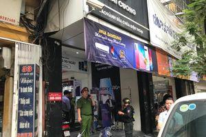 Khám xét cửa hàng điện thoại Nhật Cường mobile ở Hà Nội
