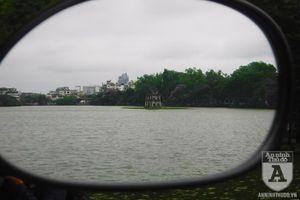 Danh lam thắng cảnh Hà Nội đẹp 'lạ' qua góc nhìn từ gương chiếu hậu