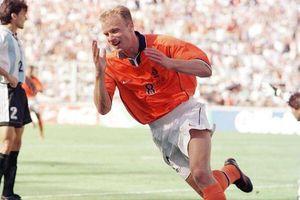 Bàn thắng đẹp nhất sự nghiệp của Dennis Bergkamp vào lưới Argentina