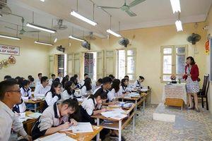 Ôn luyện môn Ngữ văn thi THPT Quốc gia: Đọc báo, xem ti vi để có cơ hội đạt điểm cao