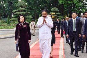 Phó Chủ tịch Nước chủ trì lễ đón chính thức Phó Tổng thống Ấn Độ