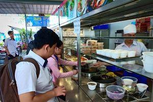 Nguyên liệu thực phẩm là 'lỗ hổng' bếp ăn học đường