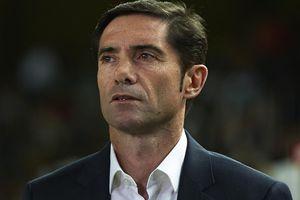 Thua đau trước Arsenal, HLV Valencia đổ cho 'thiếu may mắn'