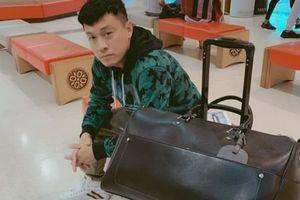 Lam Trường ngủ 'lây lất' ở sân bay vì mất hộ chiếu trên đường đi Mỹ