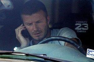 David Beckham bị cấm lái xe 6 tháng vì nghe điện thoại khi lái xe