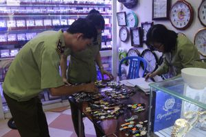 Đà Nẵng phát hiện gần 1.300 đồng hồ nhái Rolex, Hublot, Patek Philippe
