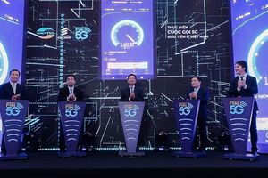 Viettel thực hiện cuộc gọi 5G đầu tiên tại Việt Nam