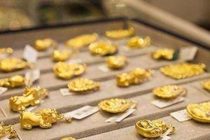 Giá vàng hôm nay 10/5: Vàng đồng loạt đứng im, chờ thời tăng giá