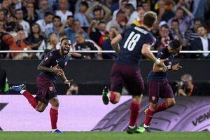 Valencia 2-4 Arsenal: Bản lĩnh Pháo thủ