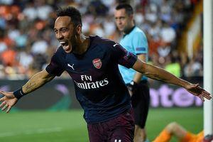 Valencia 2-4 Arsenal: Hattrick của Aubameyang đưa 'Pháo thủ' đến Baku