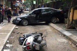 Danh tính chủ nhân xe Camry lùi tông chết người ở Hà Nội
