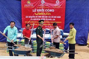 Biên phòng và Hội Chữ thập đỏ Thừa Thiên Huế tặng nhà và quà cho hộ khó khăn ở Lào