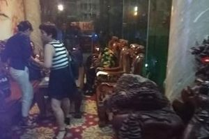 Giải cứu 8 người mắc kẹt trong thang máy khách sạn ở TP.HCM