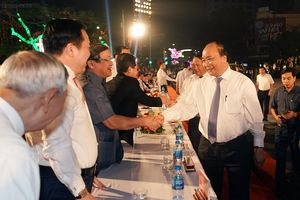 Thủ tướng Nguyễn Xuân Phúc dự khai mạc Lễ hội Hoa phượng đỏ