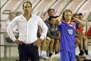 Cựu tuyển thủ Croatia chào sân tại King's Cup