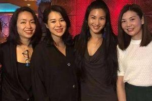 'Bà bầu' Hồ Hạnh Nhi hội ngộ dàn người đẹp hoa hậu sau 20 năm