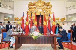 Thủ tướng Việt Nam và Nepal nhất trí xem xét mở cửa thị trường nông sản