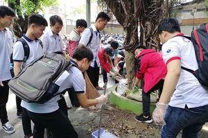 Gần 1.000 sinh viên hưởng ứng chương trình nói không với ly, ống hút nhựa