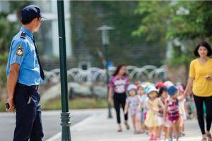 Cần chuyên nghiệp hóa đội ngũ bảo vệ trường học