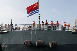 Trung Quốc đã cho hạ thủy cùng lúc hai tàu khu trục tên lửa